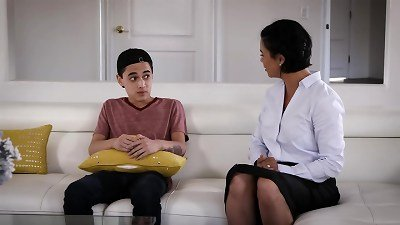 Awkward Mom And Stepson Situation - Dana Vespoli